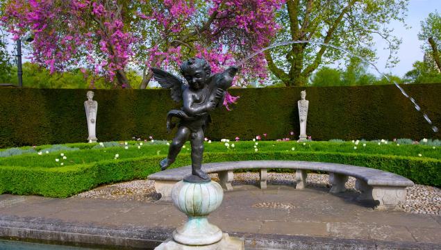 Statue in Queen's Garden