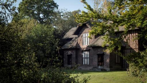 Queen Charlotte's Cottage at Kew Gardens