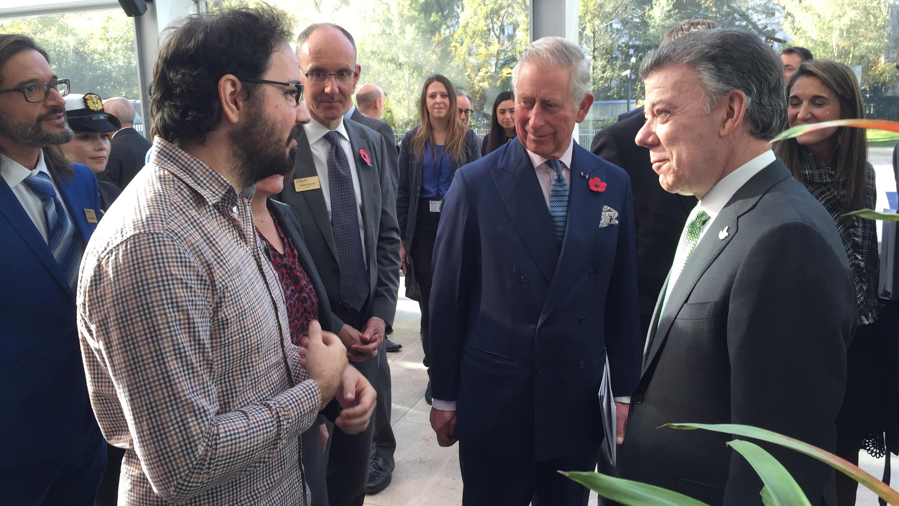 Dr Alex Papadopulos explains DNA sequencing to President Santos of Columbia and HRH Prince Charles (RBG Kew)