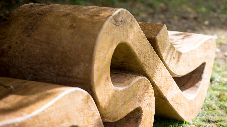 Riorus, bench sculpture by Nigel Ross