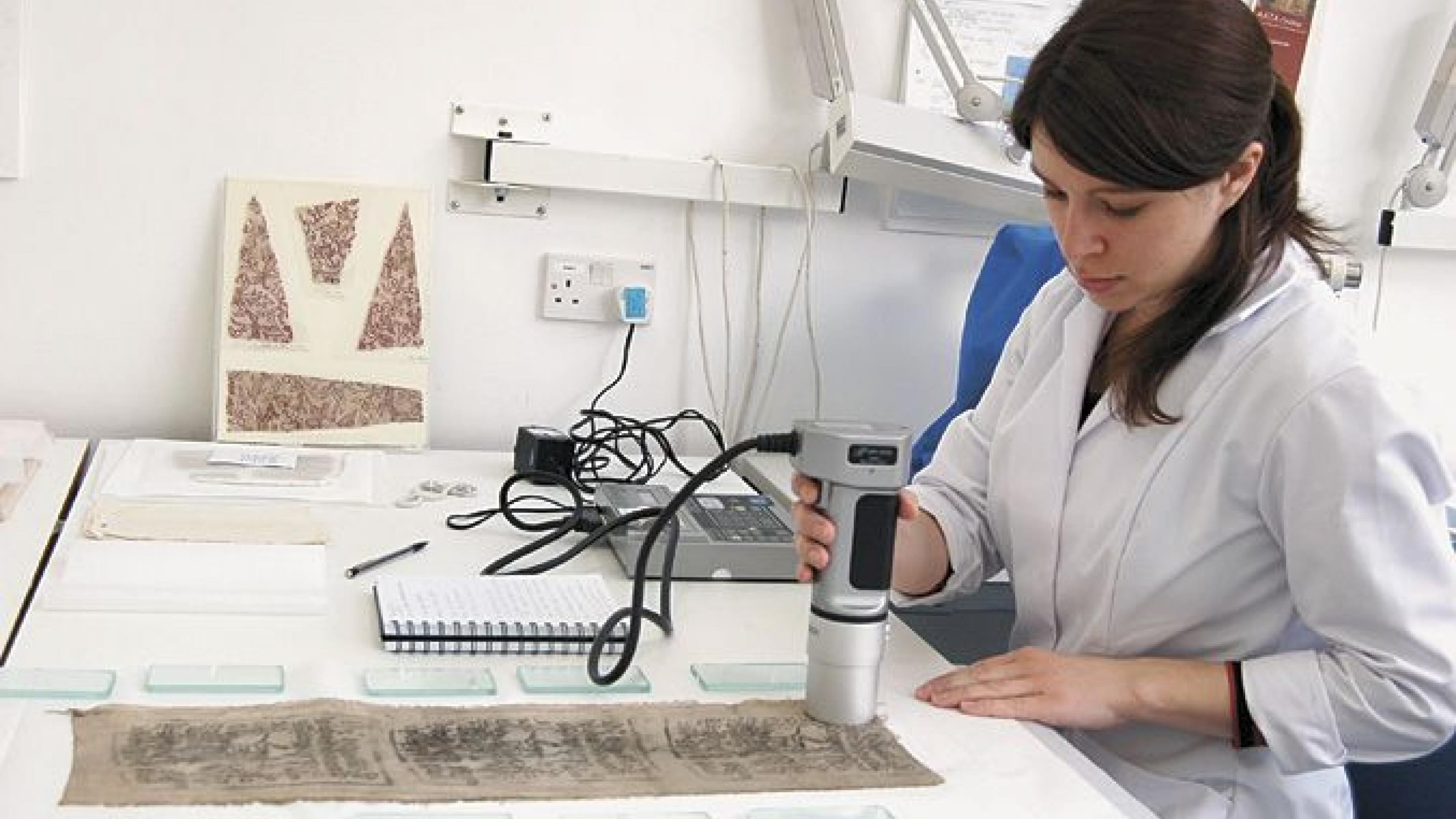 Colorimeter reading of dyed cloth