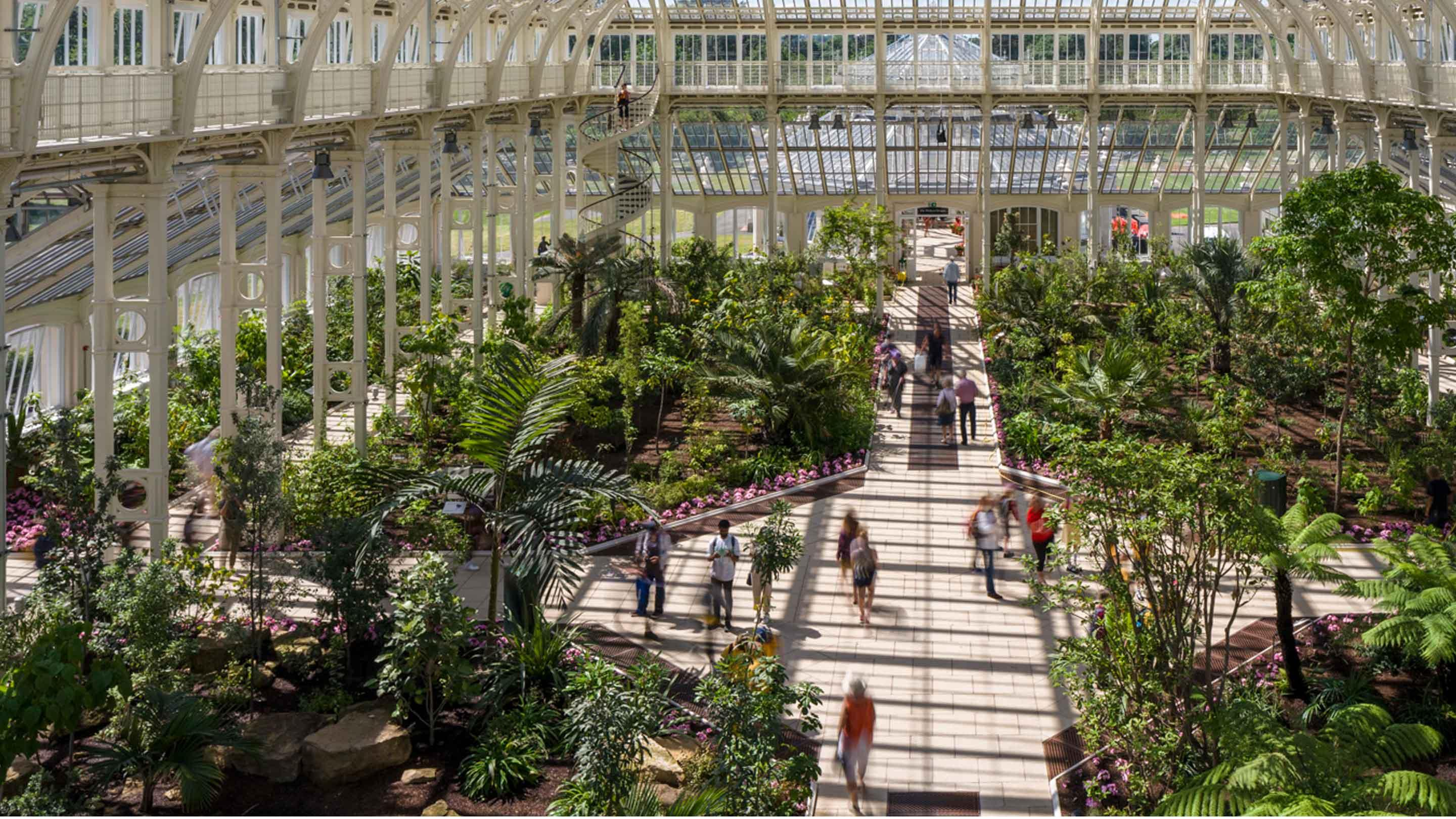 how to get to kew gardens by train