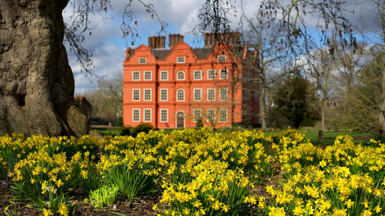 Kew Palace in spring