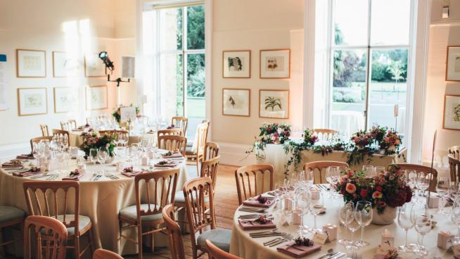 Wedding dinner setting at Cambridge Cottage