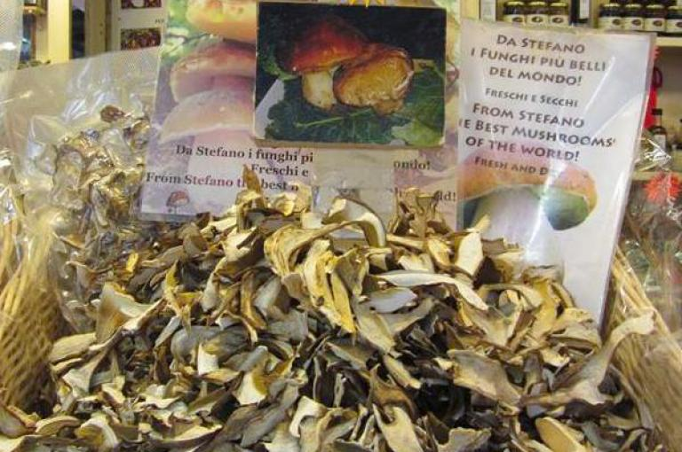 Photo of dried porcini in a shop in Italy