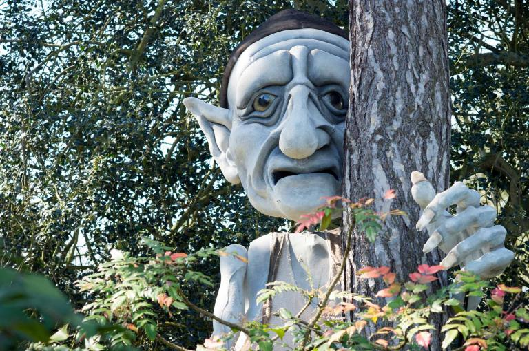 Gnomus waits to tour Temperate House