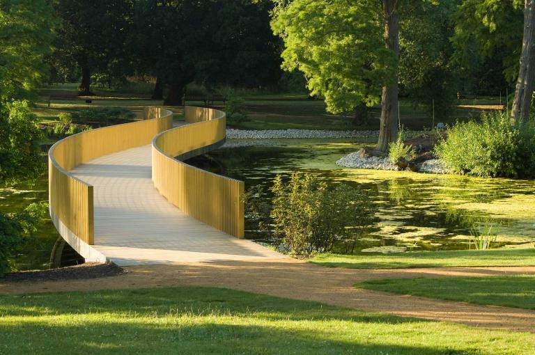 Sackler Crossing and the Lake at Kew
