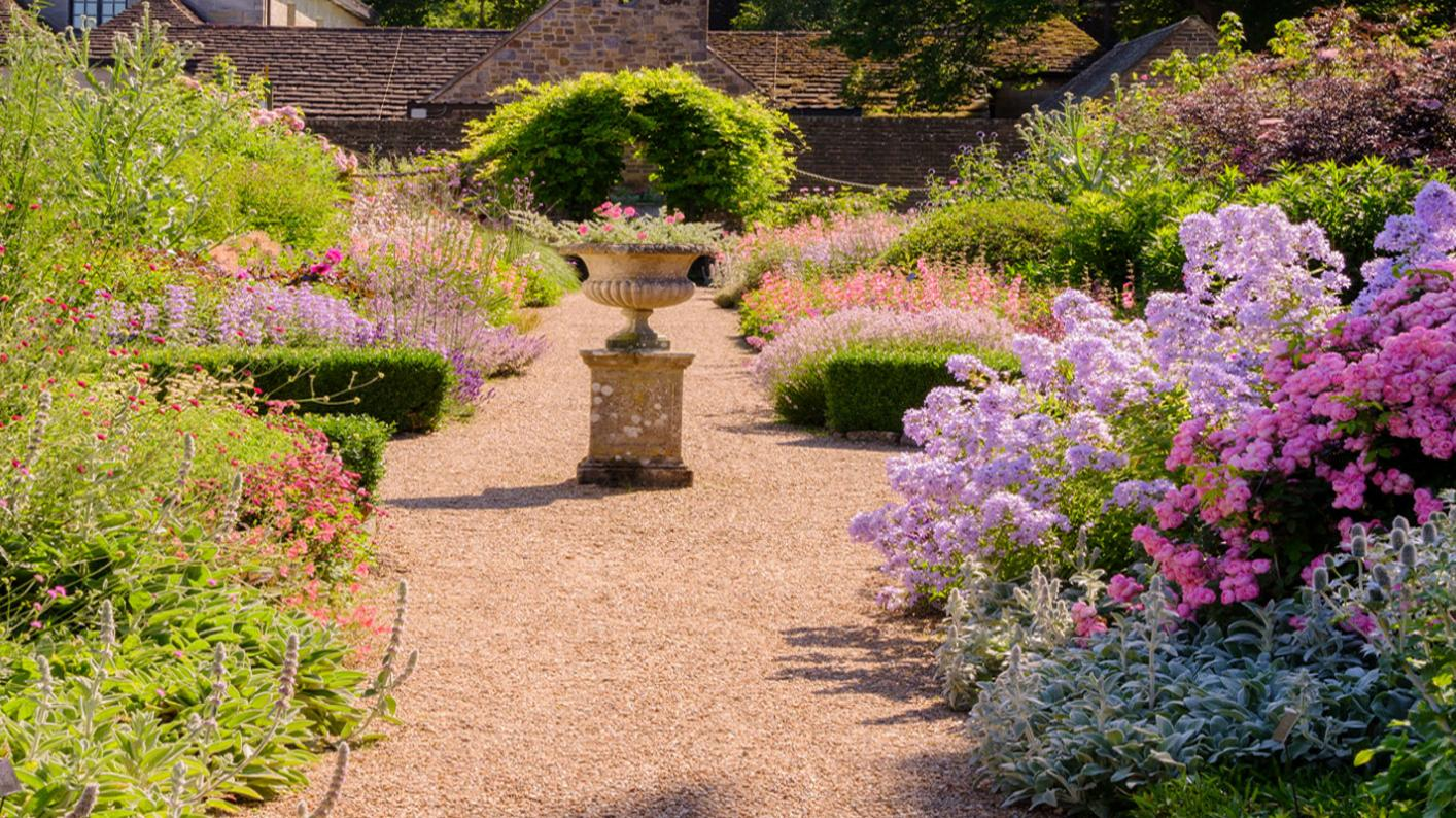 Wakehurst mansion garden, Jim Holden