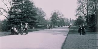 Photo of Kew's Broad Walk c.1900