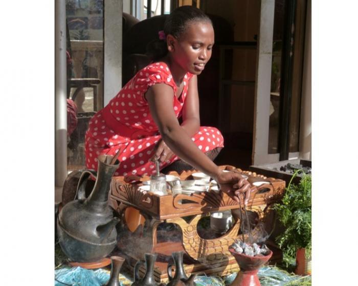 Making coffee in the traditional Ethiopian way (Image: J. Williams, RBG Kew).
