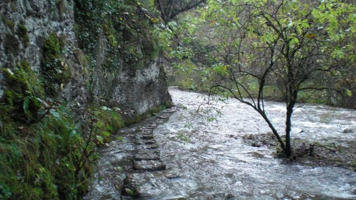 Flooded Chee Dale (Image: B. West)
