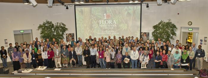 Image showing group photograph on the opening day in the RBGE lecture theatre