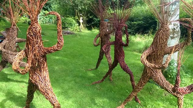 Woody Fox Willow's willow sculptures